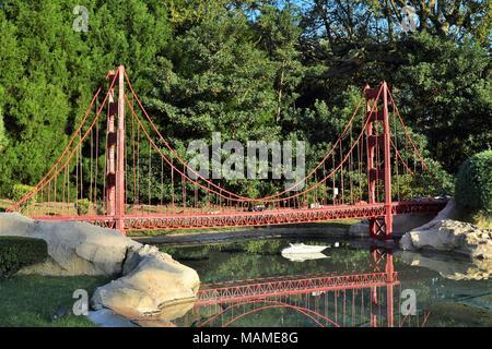 Die Golden Gate Bridge aus Lego, Legoland, Florida - Stockfoto