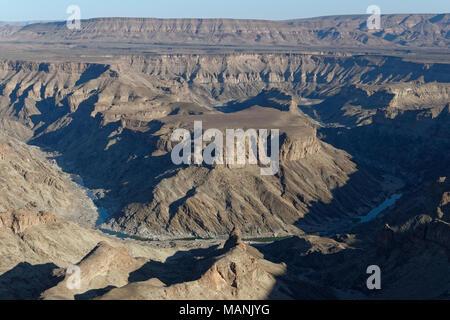 Fish River Canyon, Blick vom Aussichtspunkt in der Nähe von Hobas, Ai-Ais Richtersveld Transfrontier Park, Karas Region, Namibia, Afrika - Stockfoto