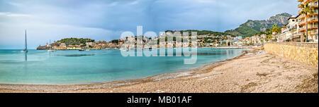 Panorama vom Strand in Port de Soller - Stockfoto