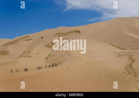 Besteigung des Khongoryn Els, Wüste Gobi, Mongolei - Stockfoto