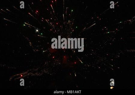 Das neue Jahr Feuerwerk am Strand - Stockfoto