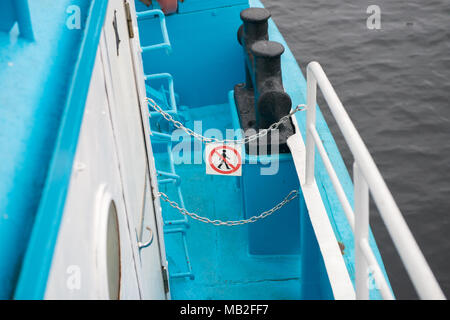 Pass Mark ist installiert auf der Leiter des Schiffes untersagt - Stockfoto
