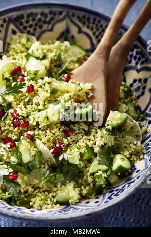 Bulgur-Weizen-Salat - Stockfoto