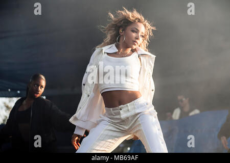 Tinashe führt bei Air+Style Festival in Los Angeles, CA, USA - Stockfoto