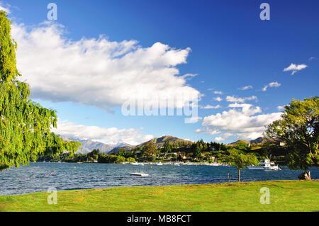 Am frühen Morgen Blick auf Lake Wanaka, Wanaka, Otago Region, Südinsel, Neuseeland
