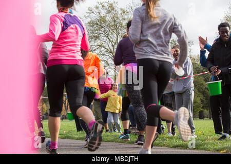 Marathonläufer, die im Park - Stockfoto