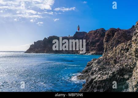 Blick auf Meer und Punta Teno Leuchtturm, Teneriffa, Kanarische Inseln - Stockfoto