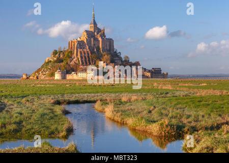 Mont Saint Michel bei Sonnenuntergang, Normandie, Frankreich - Stockfoto