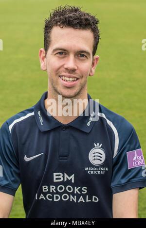 London, Großbritannien. 11 Apr, 2018. Nathan Sowter von Middlesex County Cricket Club in der blauen Royal London eintägige Kit. Quelle: David Rowe/Alamy leben Nachrichten - Stockfoto