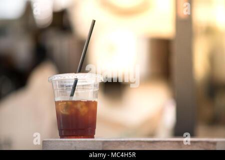 Sehr Erfrischungen und leckere kalte Gebräu Eis Kaffee trinken Rezept - Stockfoto