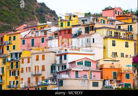 Close Up. Bunte und Schöne Dörfer in den Cinque Terre Eine der fünf Länder berühmten Die Stadt von der UNESCO zum Welt Das Gebäude besteht aus einem abgetreten wurde. - Stockfoto