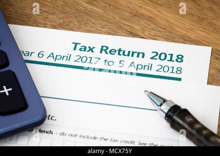 UK HMRC Self Assessment Einkommensteuererklärung Formular 2018 - Stockfoto