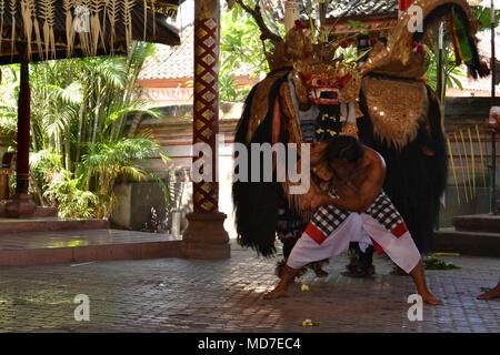Tari Barong Bali Indoneisa - Stockfoto