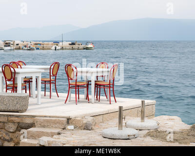 strand in valun dorf auf der insel cres kroatien stockfoto bild 32329237 alamy. Black Bedroom Furniture Sets. Home Design Ideas