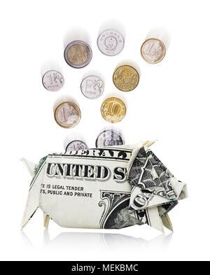 Münzen Verschiedener Länder Fallen In Einem Sparschwein Von Dollar