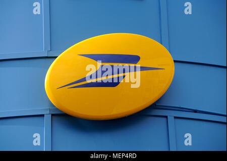 Französische post office bureau de poste la poste zeichen auf das