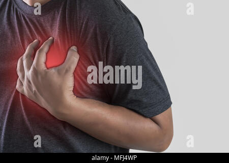 Mann, Krankheit, Schmerzen in der Brust leiden Herzinfarkt - Stockfoto