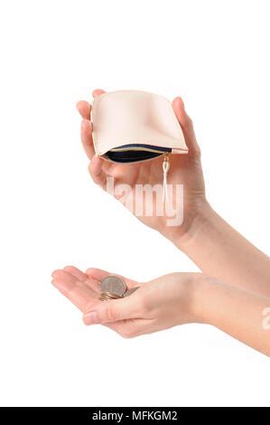 Hand hält die Brieftasche und Herausfallen Münzen. Weibliche Hände und herabfallenden Münzen - Stockfoto