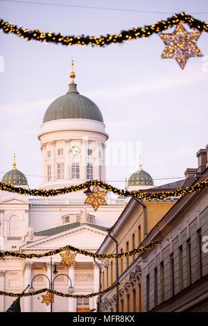 Kathedrale von Helsinki zur Weihnachtszeit, Finnland, Europa - Stockfoto