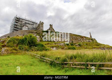 Rock of Cashel Carraig Phadraig), Cashel der Könige und St. Patrick's Rock, ist ein historischer Ort in County Tipperary, Irland - Stockfoto