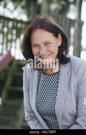 Über 50 Frau Porträt schön - Stockfoto
