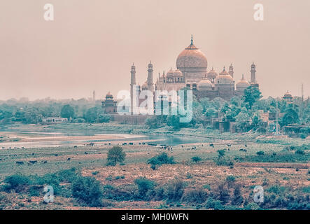 Sonnenuntergang über das Taj Mahal, Agra, Indien - Stockfoto