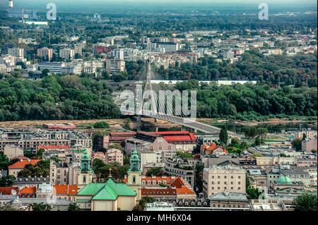 Warschau/Polen - 09.02.2016: Luftbild auf der modernen Architektur Brücke verbindet zwei Stadtteile über die Weichsel. - Stockfoto