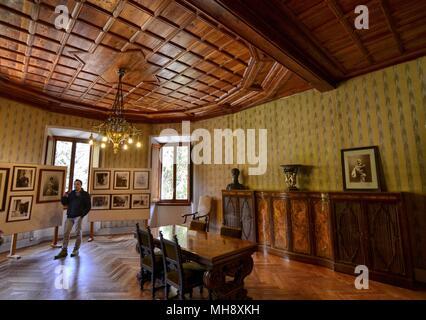 Gaby, Region Valle d'Aosta, Italien. 25. April 2018. Castel Savoia. Die exquisit dekoriert und fertig eingerichtet. - Stockfoto