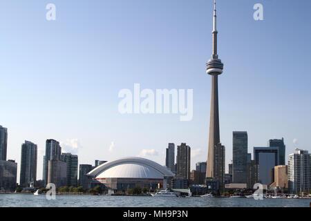 Blick auf den CN Tower in Toronto, Kanada - Stockfoto