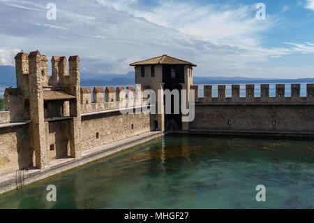 Scaliger Burg innerhalb der Wände - Stockfoto