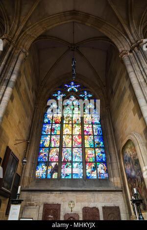 Prag, Tschechische Republik - 19 August 2017: St. Vitus Kathedrale. Es ist ein prominentes Beispiel der gotischen Architektur - Stockfoto