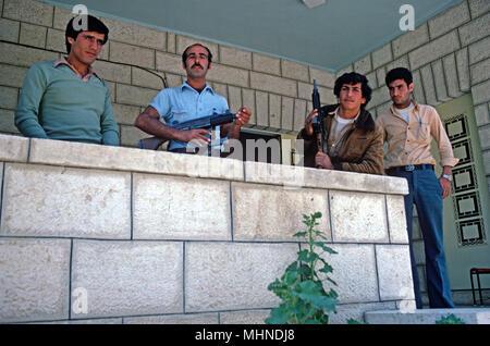 Bewaffneten Arabischen Dorf Liga von der israelischen Zivilverwaltung bildeten eine gemäßigte palästinensische Führung im Westjordanland, in Ostjerusalem zu fördern, - Stockfoto