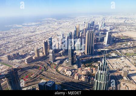 Skyline von Dubai von oben - Stockfoto