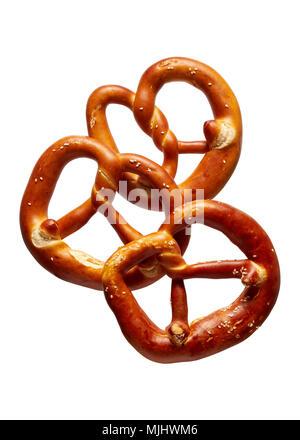 Deutsche weiche Brezel. Drei deutsche Brot, Brezeln auf einem weißen Hintergrund. - Stockfoto