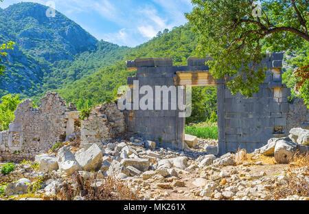 Die Fassade der alten römischen Tempel, der im Tal, Olympos, Türkei. - Stockfoto