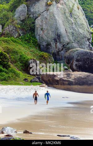 Auf Prainha Surfer, Rio de Janeiro, Brasilien - Stockfoto