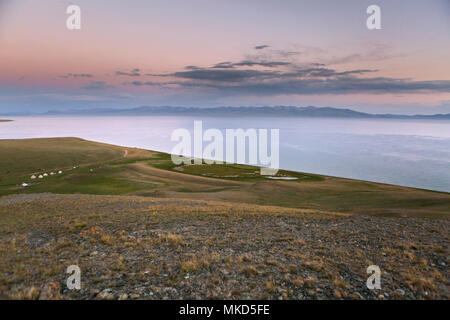 Song Kol See und Jurtencamp, Kirgisistan - Stockfoto