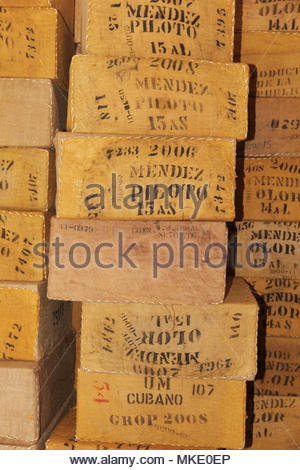 Boxen von Tabak an der LaFlor Dominicana Zigarrenfabrik im Alter von in der Dominikanischen Republik. - Stockfoto