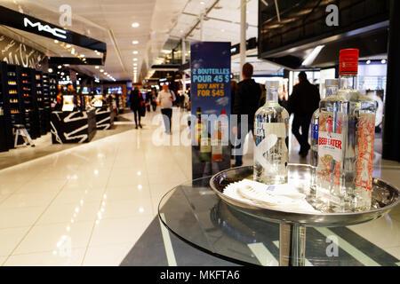 """Beefeater Gin in 'Geschmack Einkaufsviertel der Loop"""" in Montreal Trudeau Flughafen - Stockfoto"""