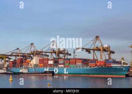 Ein MOL Schiffes Dock in Singapur Wasser - Stockfoto