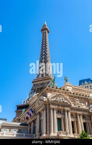Nachbildung des Eiffelturms in Paris Las Vegas Hotel & Casino auf dem Las Vegas Strip im Paradies, Nevada - Stockfoto