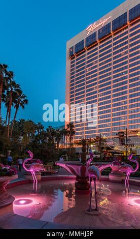 Rosa flamingo Brunnen an der Flamingo Las Vegas Hotel & Casino auf dem Las Vegas Strip im Paradies, Nevada - Stockfoto