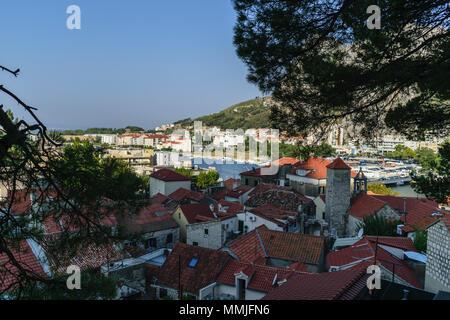 Stadt Omis in Kroatien - Stockfoto