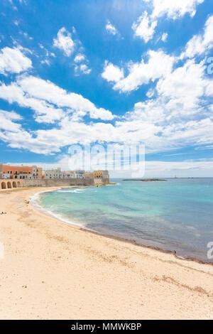 Gallipoli, Apulien, Italien - eindrucksvolle Ruhe am schönen Strand von Gallipoli - Stockfoto