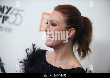 "NEW YORK, NY - 07. Oktober: Julianne Moore nimmt an der 55th New York Film Festival ""überrascht"" Premiere in der Alice Tully Hall am 7. Oktober 2017 in New York City. Personen: Julianne Moore - Stockfoto"
