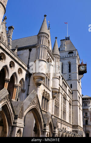 Die Royal Courts of Justice in The Strand London - Stockfoto