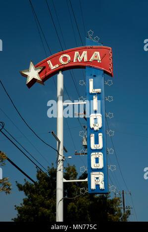 Vintage Leuchtreklame für Loma Spirituosen in Long Beach, CA - Stockfoto