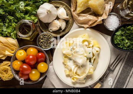 Pappardelle mit cremigen Alfredo Sauce - Stockfoto