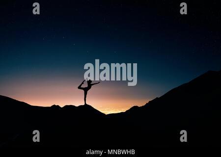 tänzerin silhouette stockfoto bild 74591119  alamy