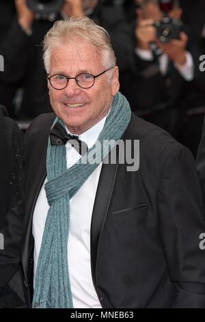 """CANNES, Frankreich - 16. Mai: Regisseur Daniel Cohn-Bendit von 'La Traversee"""" besucht das Screening von 'Brennen' während der 71st jährlichen Filmfestspiele von Cannes im Palais des Festivals am 16. Mai 2018 in Cannes, Frankreich Quelle: BTWImages/Alamy leben Nachrichten - Stockfoto"""